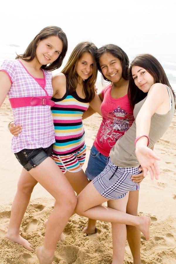 Adolescentes do divertimento imagens de stock