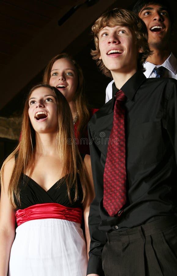 Adolescentes Que Cantam Foto de Stock