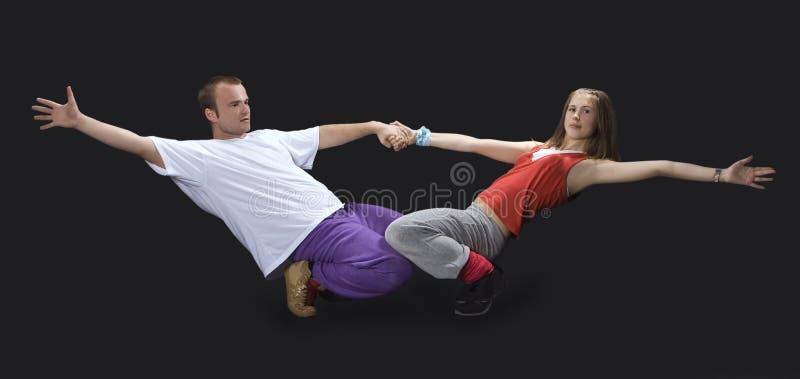 Adolescentes que dançam o breakdance foto de stock