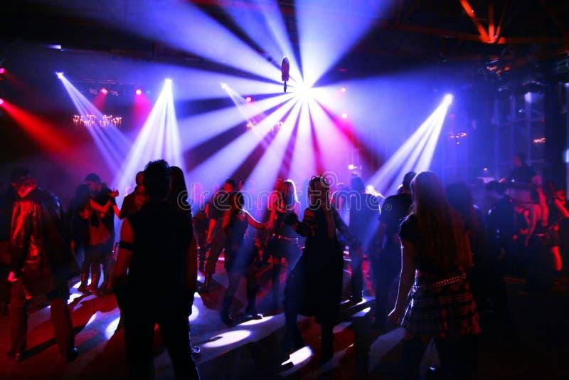 Adolescenti di Dancing fotografie stock libere da diritti