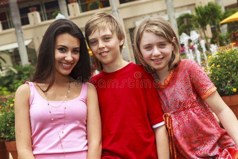Adolescenti felici fotografie stock