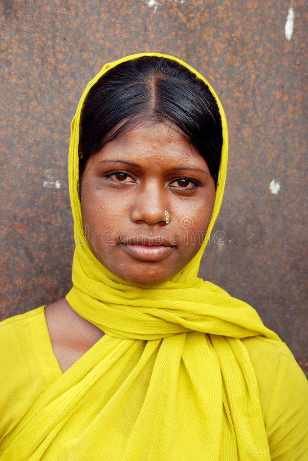 Adolescentie Meisje bij het Jharia steenkolenbekkengebied royalty-vrije stock afbeelding