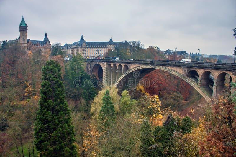 Adolphe bro i Luxembourg arkivfoton