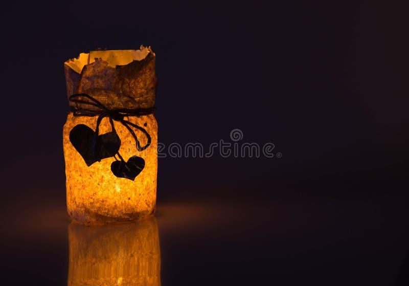 Adorne la pequeña lámpara para el día de tarjeta del día de San Valentín del St de los bancos, el pape fotografía de archivo