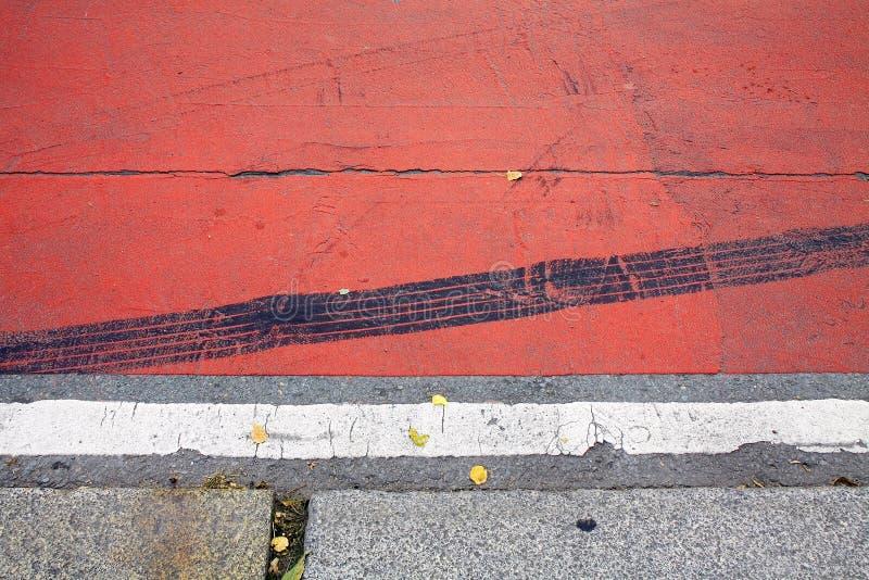 Adorno abstracto de la ciudad de las bandas en la acera foto de archivo libre de regalías