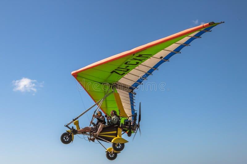 Adrenalina intensa: Aviones ultraligeros fotos de archivo