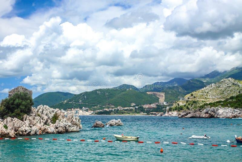 Adriatische zeekust, Przno-strand, Milocer, Montenegro stock fotografie