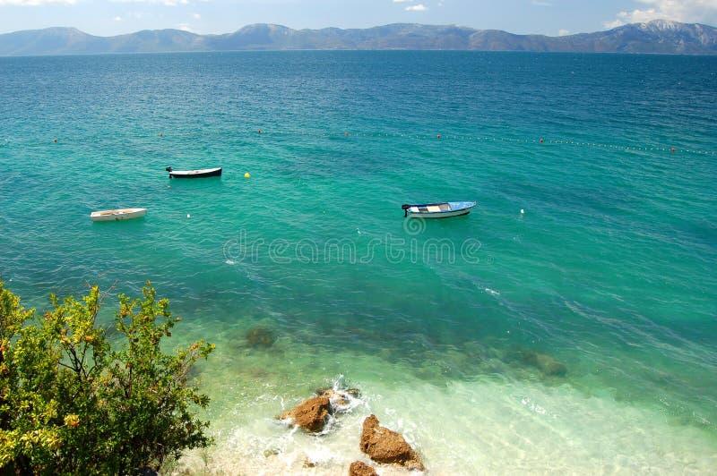 Adriatischer Strand in Kroatien lizenzfreie stockbilder