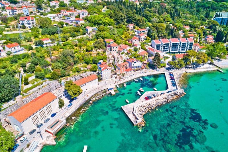 Adriatisches Dorf der Mlini-Ufergegendvogelperspektive lizenzfreie stockfotos