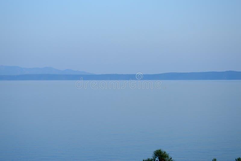 Adriatisches Meer in Makarska stockbild