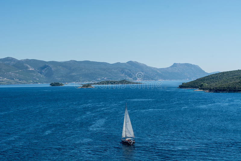 Adriatisches Seesegelsport lizenzfreies stockfoto
