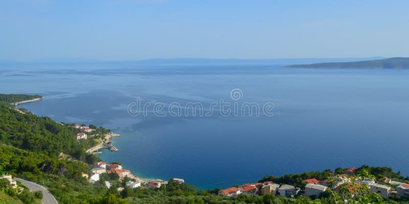 Adriatiskt havkust Makarska riviera av Dalmatia royaltyfria bilder