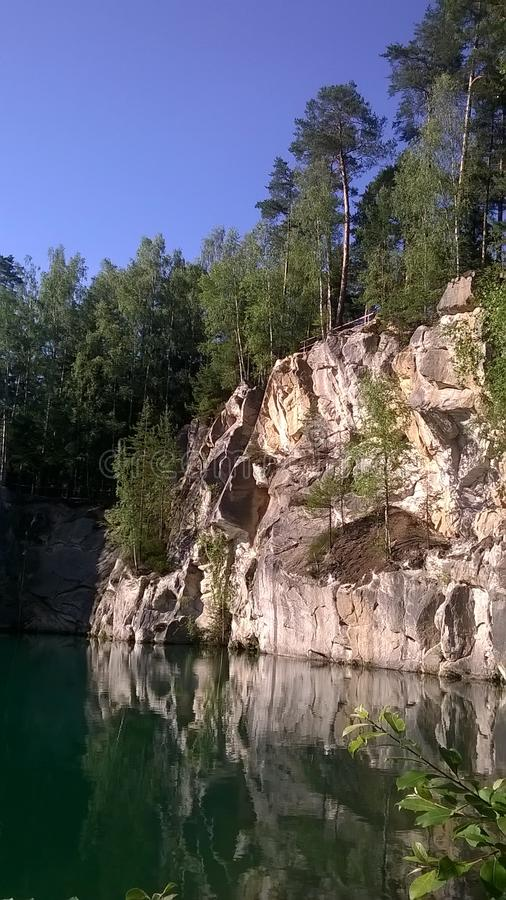 Adrspach трясет - озеро фильма в CHKO Broumovsko стоковое фото