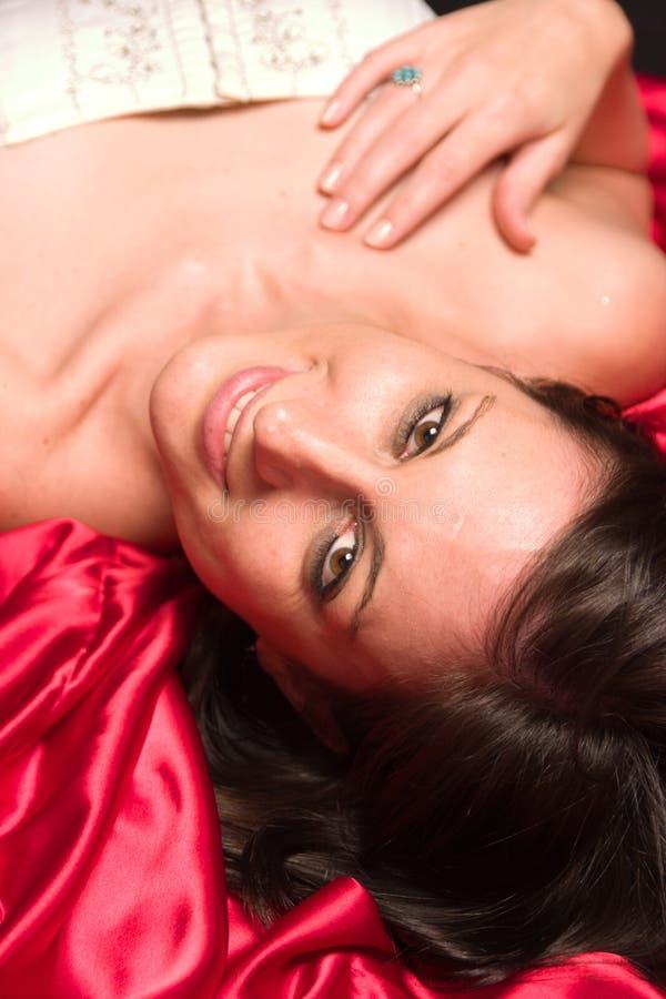 Adulto fêmea caucasiano novo bonito fotografia de stock royalty free
