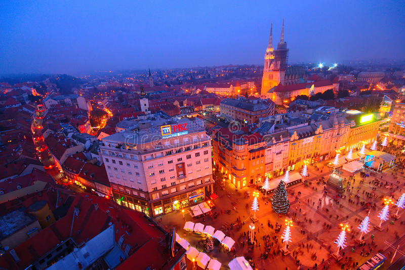 Advent In Zagreb Kroatien fotografering för bildbyråer