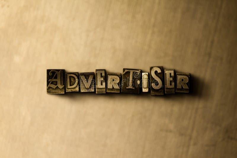 ADVERTISER - zakończenie grungy rocznik typeset słowo na metalu tle ilustracji
