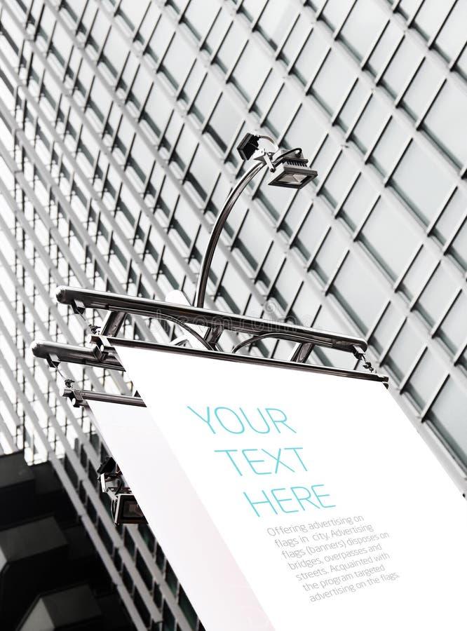 Advertizingaffischtavla med utrymme för din text arkivbilder