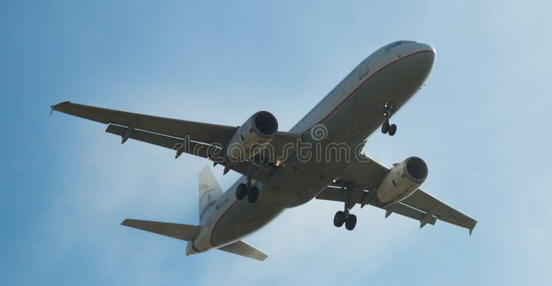 Aegean Airlines nivålandning royaltyfria foton