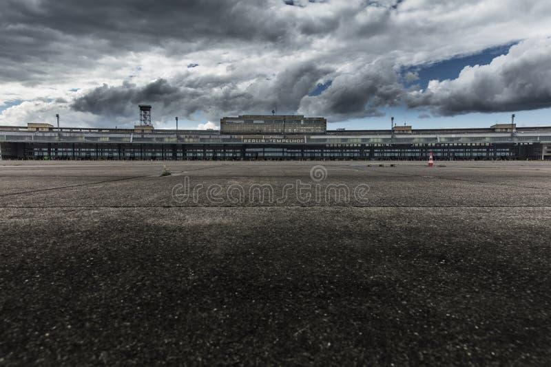 Aeródromo de Tempelhof, Berlim, Alemanha: 15 de agosto de 2018 fotografia de stock