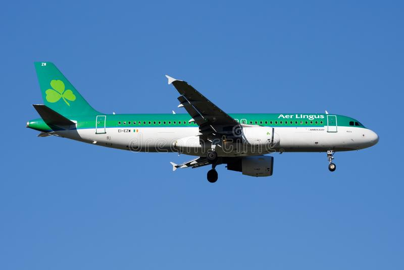 Aer Lingus Airbus A320 EI-EZW passenger plane landing at Madrid Barajas Airport stock photos