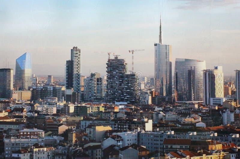 Aeralsikt av ny affärsdisctict av Porta Genova royaltyfria bilder