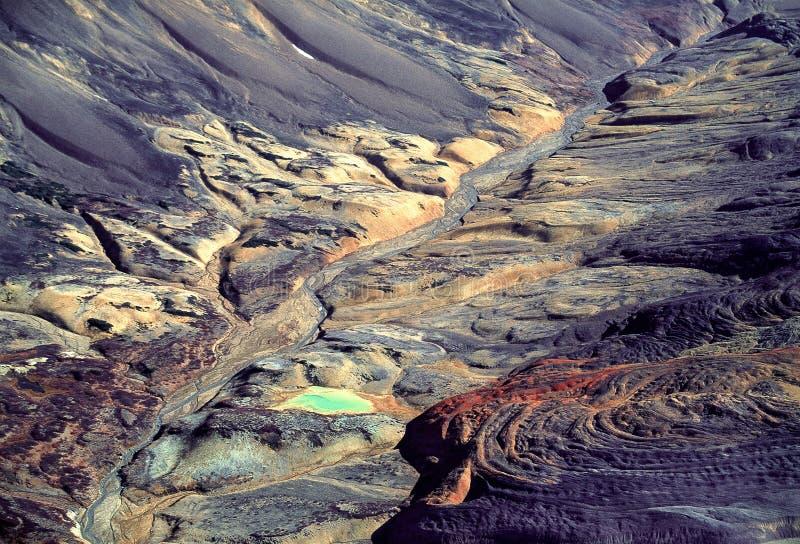 Aereal-Bild - interessante vulkanische Landschaft im Britisch-Columbia stockfotos