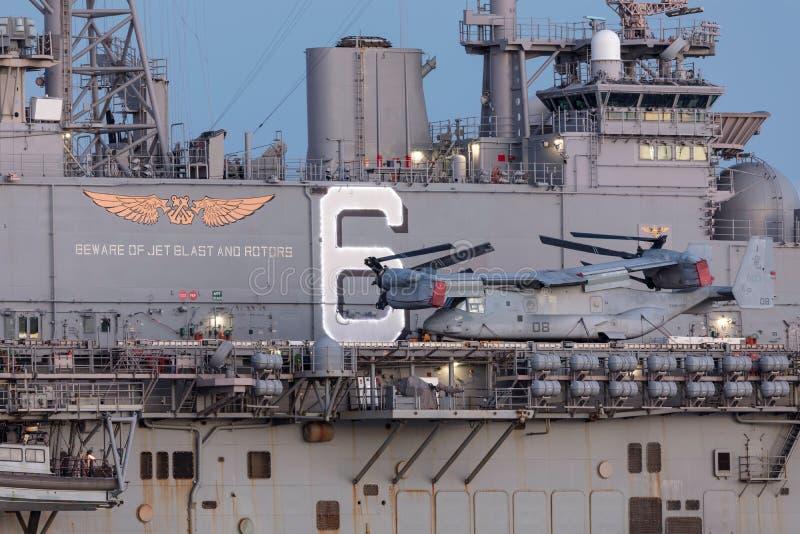 Aerei di rotore di inclinazione del falco pescatore di Bell Boeing MV-22 dagli Stati Uniti Marine Corps immagini stock