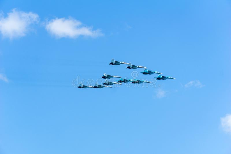 Aerei Su-34, Su-27, MiG-29, formazione volante immagine stock