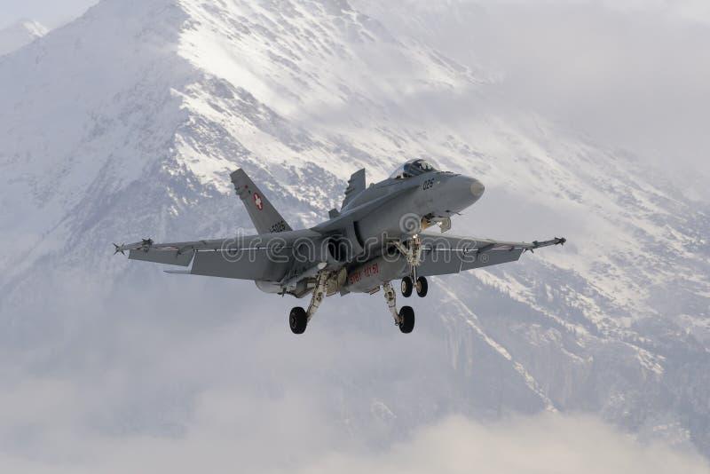 Aereo da caccia svizzero del calabrone F/A-18 immagine stock