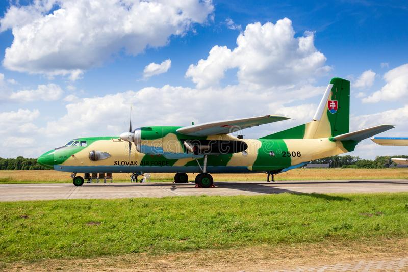 Aereo da trasporto slovacco di Antonov An-26 dell'aeronautica fotografia stock libera da diritti