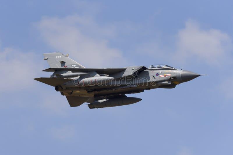 Aereo del bombardiere di aereo da caccia di Royal Air Force RAF Panavia Tornado GR4 immagine stock libera da diritti