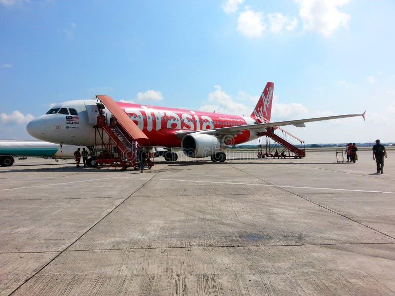 Download Aereo Di Air Asia All'aeroporto Di KLIA Immagine Stock Editoriale - Immagine di internazionale, terra: 55356144