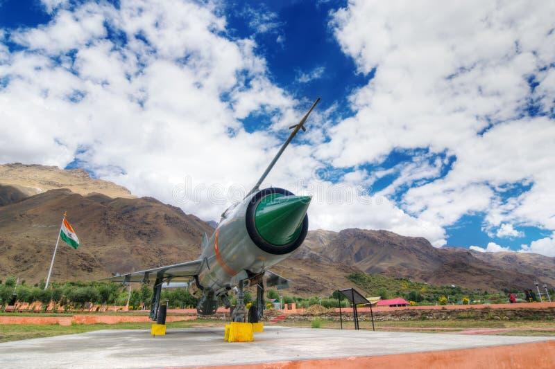 Aereo di combattimento MIG-21 dell'aeronautica indiana utilizzato nella guerra di Kargil, visualizzata come memoria vittoriosa fotografie stock
