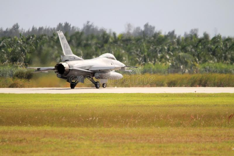 Aereo di combattimento militare degli Stati Uniti alla base delle forze aeree di Florida fotografia stock libera da diritti
