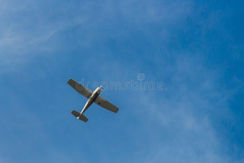 Aereo nel cielo fotografie stock