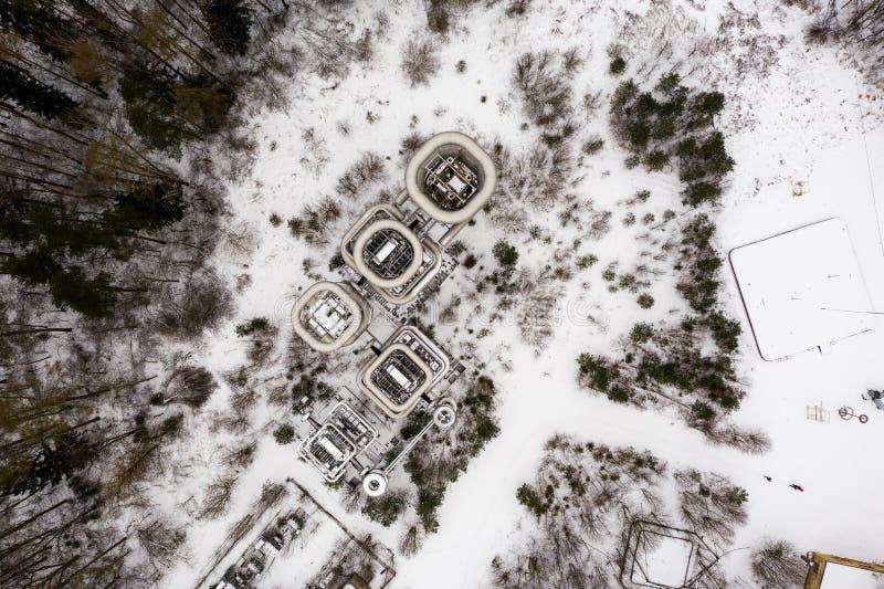 Aeriets draonvy över jätten Nicola Tesla Coil Towers royaltyfri fotografi