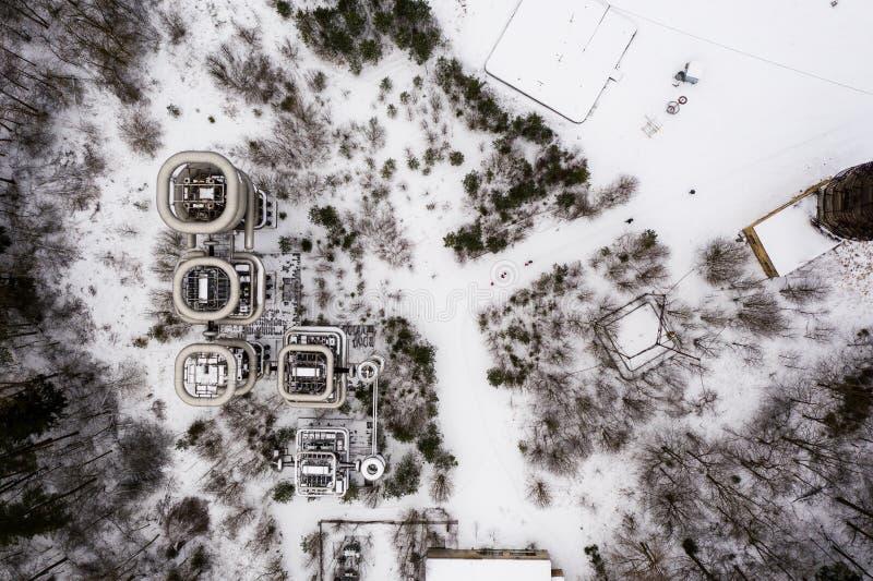 Aeriets draonvy över jätten Nicola Tesla Coil Towers royaltyfri bild