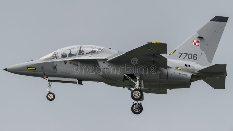 Aermacchi MB346 polermedelflygvapen fotografering för bildbyråer