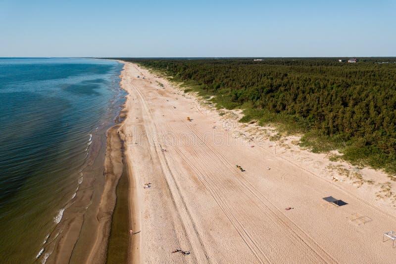 Aero fotografia trutnia plaży palanga Lithuania na słonecznym dniu fotografia stock