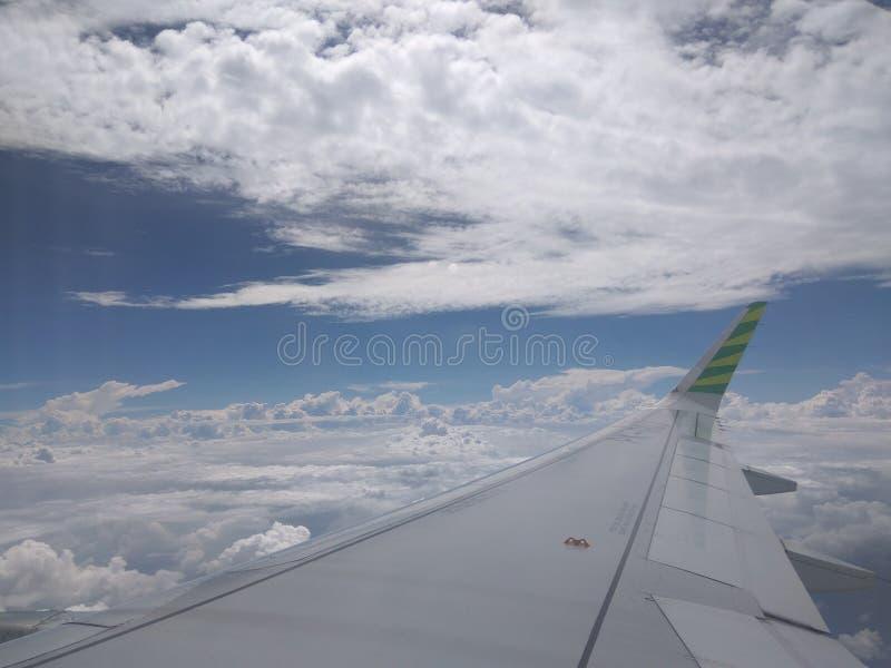 Aero vit i blått royaltyfria bilder