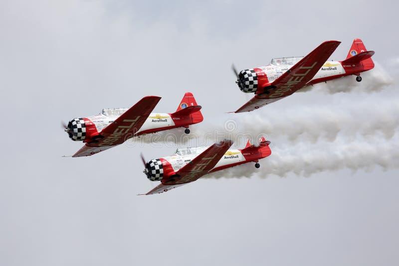 Aerobatic drużyna wykonuje podczas Oshkosh AirVenture 2013 zdjęcia stock