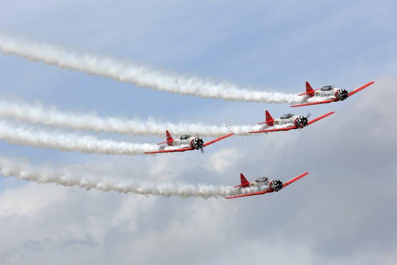 Aerobatic drużynowy spełnianie podczas Oshkosh AirVenture 2013 fotografia stock