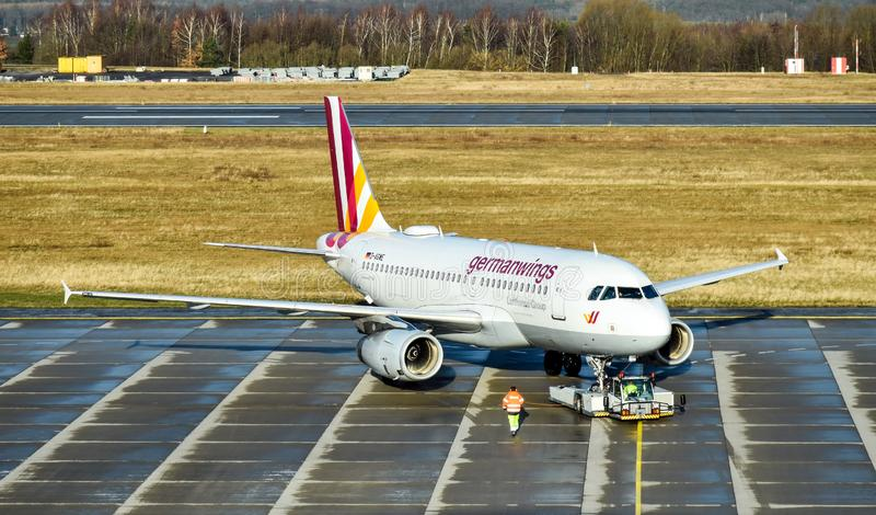 Aerobus A319-100 Germanwings w Drezdeńskim Niemcy fotografia stock