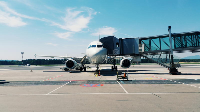 Aerobus A319-132 S5-AAP fotografia royalty free