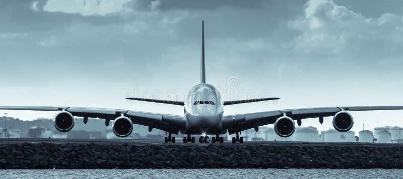 Aerobus A380 strumienia samolot - frontowy widok obraz royalty free