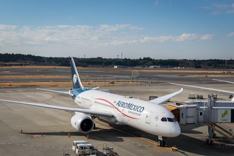 Aeromexico samolot przy Narita lotniskiem międzynarodowym, Japonia zdjęcie stock