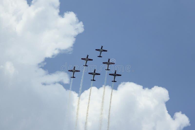 Aeronautica indonesiana Jupiter Aerobatic Team di formazione fotografia stock