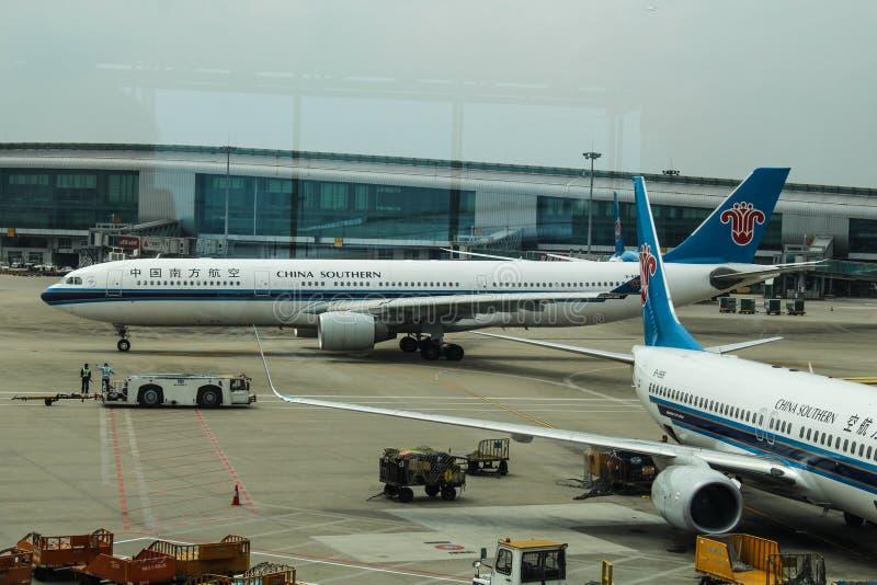 Download Aeroplani Del Sud Della Cina All'aeroporto Di Wuhan Fotografia Editoriale - Immagine di aeroporto, boeing: 117975696