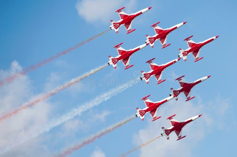Aeroplani rossi a airshow immagini stock libere da diritti