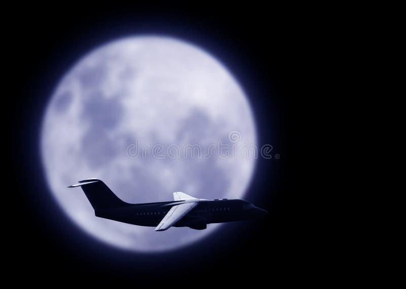 Aeroplano comercial en el cielo fotografía de archivo